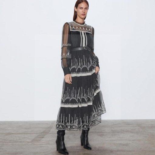 Hippie chic langes Kleid mit langen Ärmeln und Rundhalsausschnitt